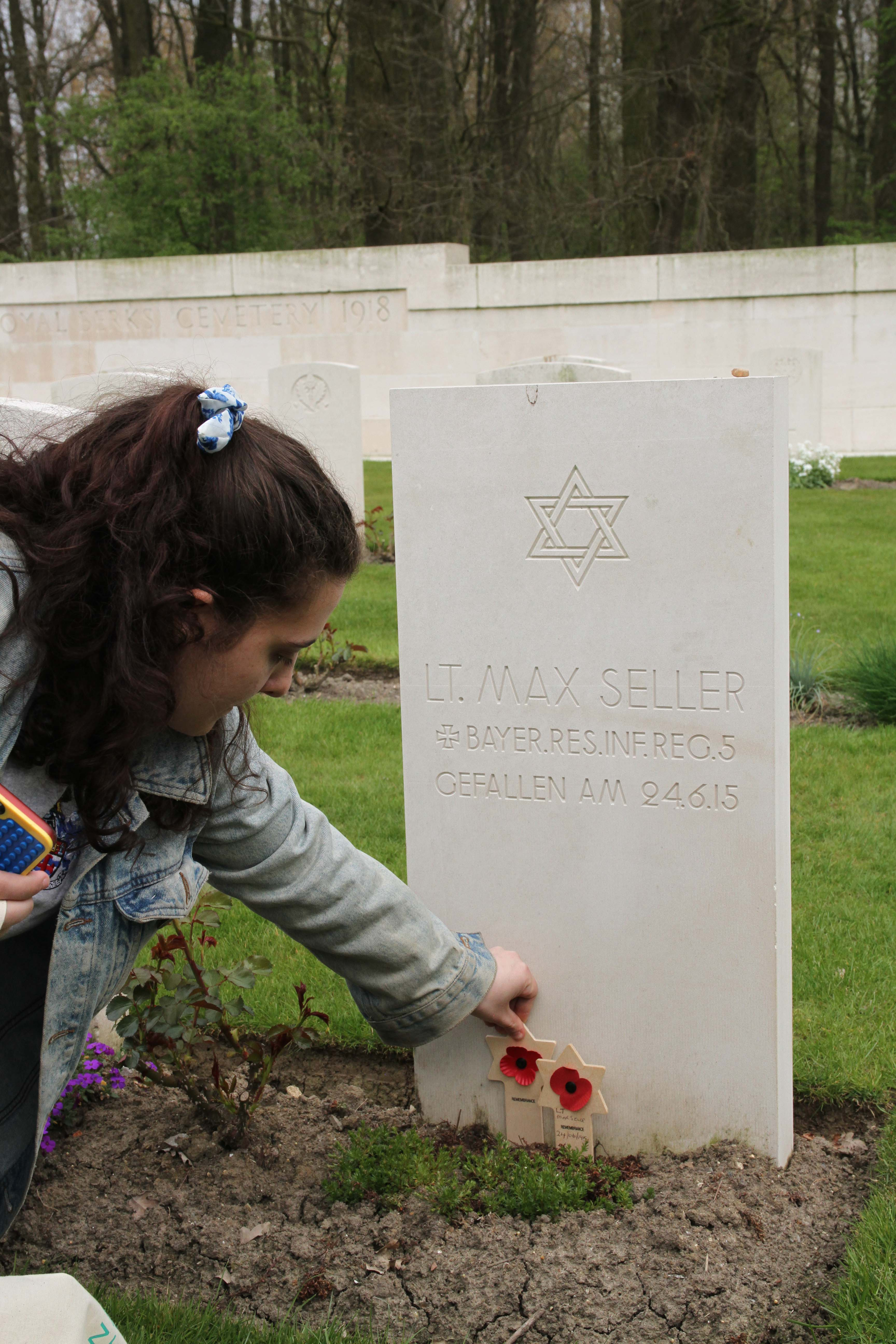 German Jewish soldier grave and Magen David. We Were There Too trip to Ypres, April 2017. By Alan Brill, Voluntary Photographer