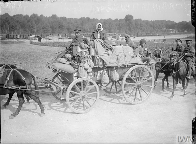 Field Ambulance transport waggon at Heilly, Somme. September 1916. © IWM (Q 1257)