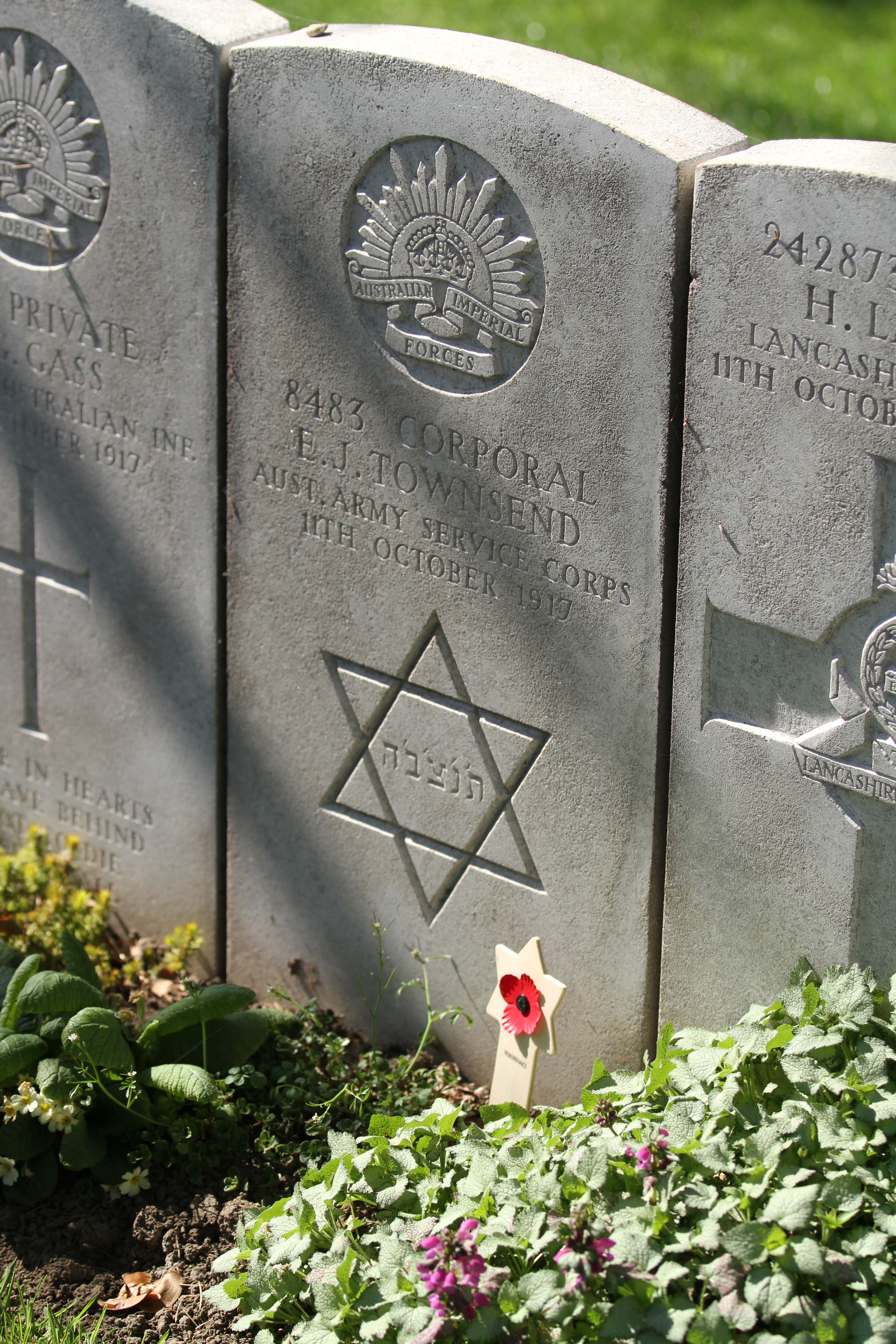 E Townsend grave + Magen David.  We Were There Too trip to Ypres, April 2017. By Alan Brill, Voluntary Photographer