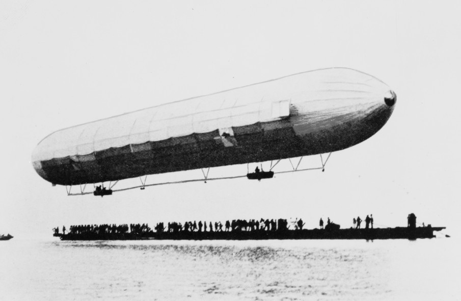 First flight of the LZ1, 2 July 1900, at Lake Constance. Public domain