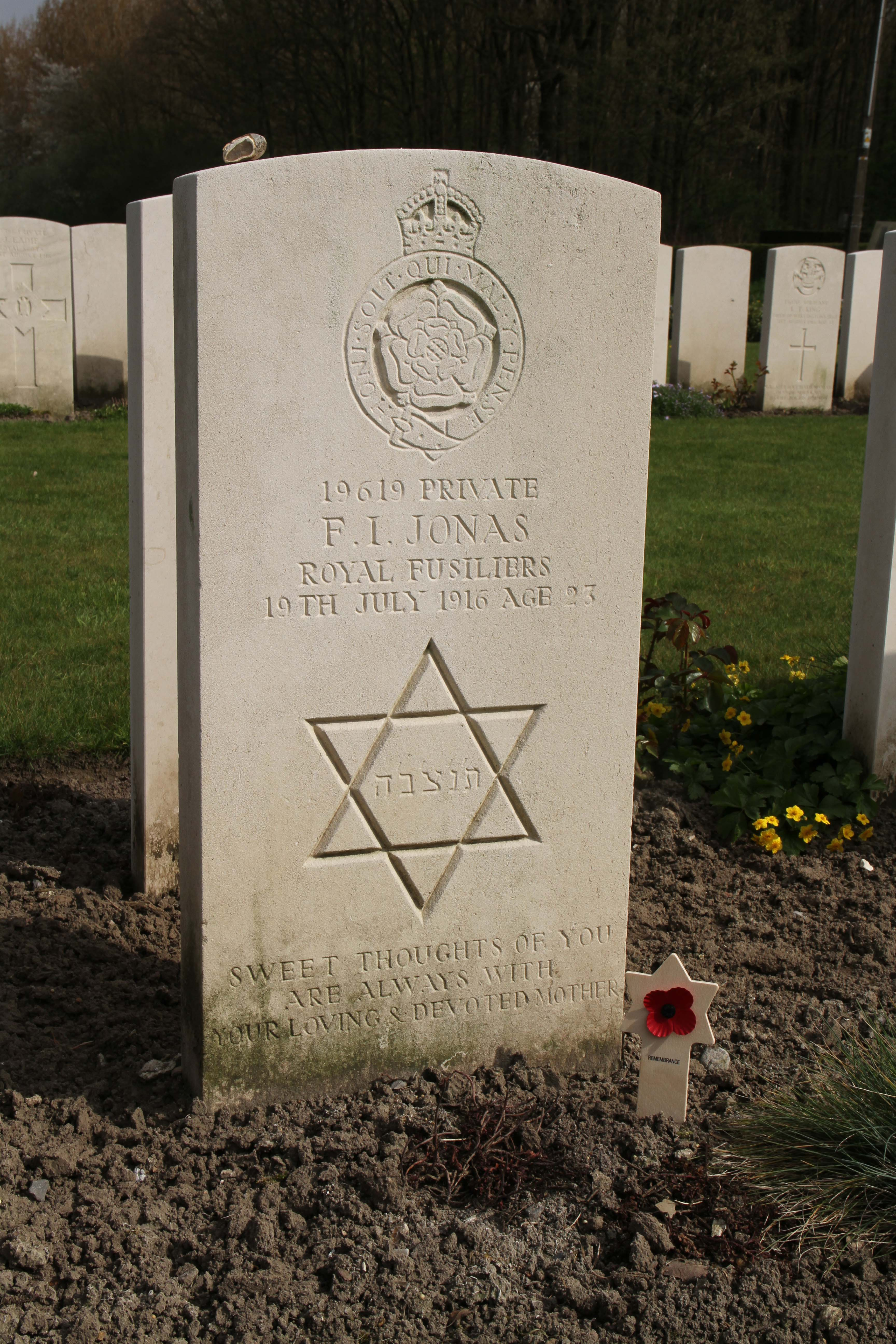 F Jonas grave and Magen David.  We Were There Too trip to Ypres, April 2017. By Alan Brill, Voluntary Photographer